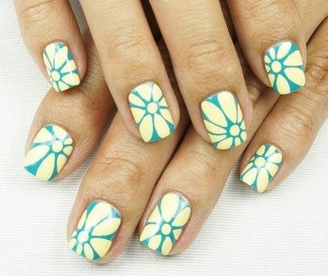 Дизайн ногтей белый с зеленым