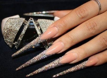 дизайн ногтей со стразами: