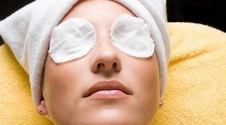 Отек глаз: лечение по правилам