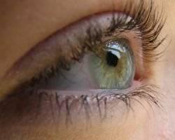 почему лопаются сосуды на глазах