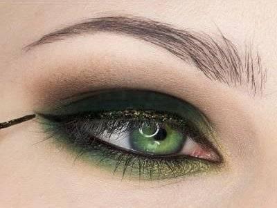Как красиво накрасить глаза тушью?