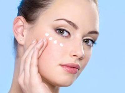 Как правильно осуществлять уход за кожей вокруг глаз