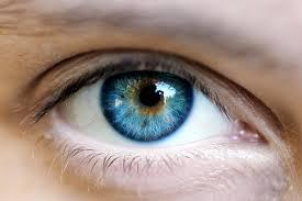 Голубые глаза характер